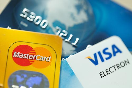 Benytt en kalkulator for lån og kort for å finne ut hvilket alternativ som gir billigst kreditt.